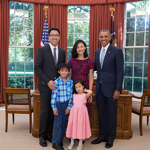 Jordan Matsudaira, his family, and President Barack Obama in the Oval Office of the White House